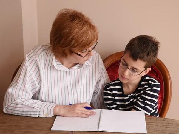 Bí quyết để trẻ lớp 3 tập trung khi học bài ở nhà 1
