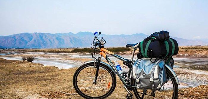 """Kinh nghiệm """"sống còn"""" khi đi phượt xe đạp xuyên Việt"""