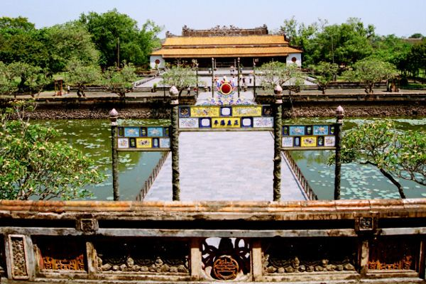 Cổng vào Đại Nội - Kinh thành Huế