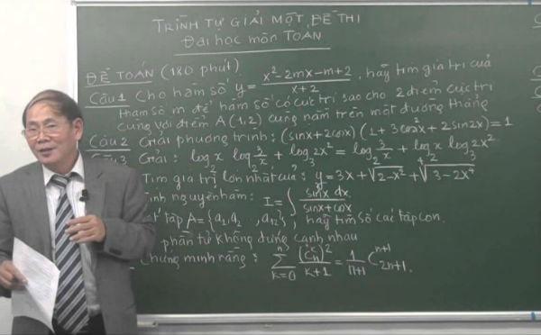 Thầy Nguyễn Vũ Lương -  hiệu trưởng trường Chuyên Khoa học tự nhiên, ĐHQGHN