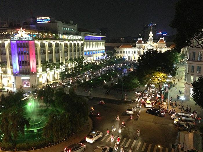 Phố đi bộ Nguyễn Huệ ở Sài Gòn