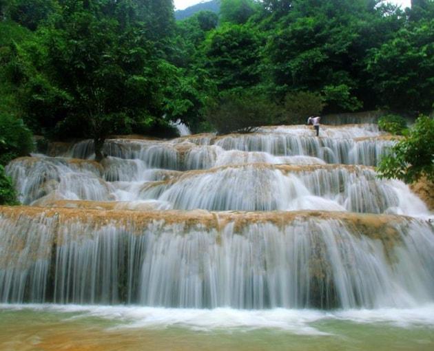 Một trong 3 thác nước đẹp nhất xứ Thanh