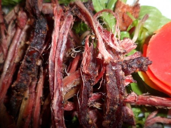 Thịt trâu gác bếp là một trong những đặc sản của người Yên Bái