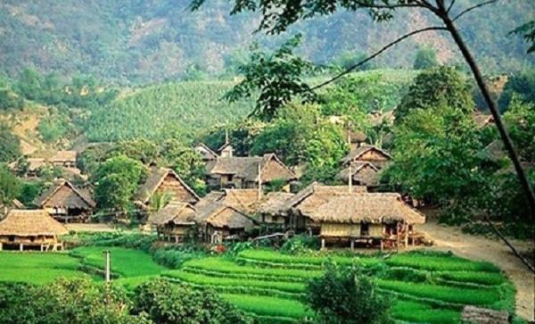 Đến tỉnh Hòa Bình thăm con đường Mai Châu rất đẹp