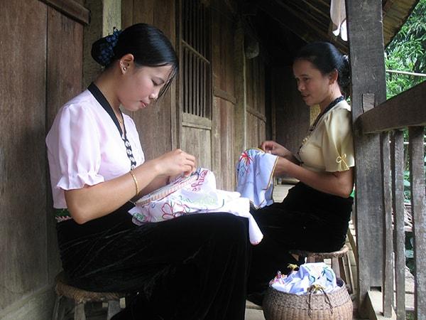 Người dân tộc Thái - Nghĩa Lộ
