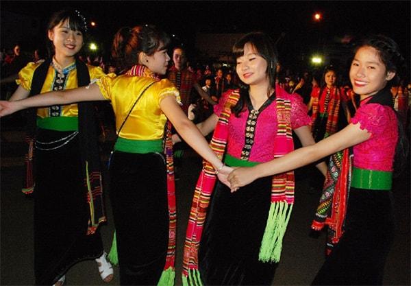 Điệu múa Xòe Thái