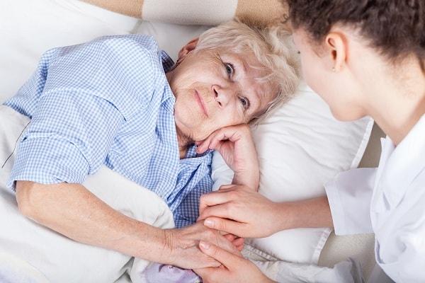 Bệnh hoang tưởng ở người già và những điều cần lưu ý 2