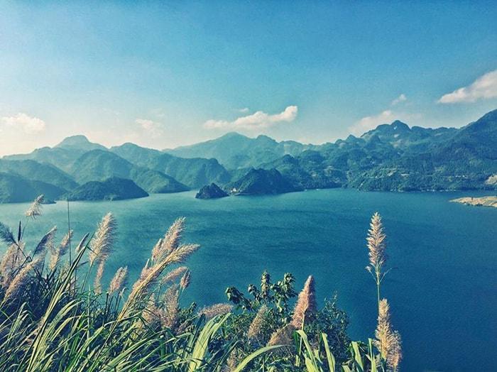 Hồ Ba Khan - Vịnh Hạ Long trên cạn ở Hòa Bình