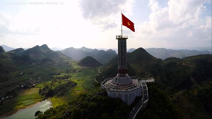 Ngắm nhìn cột cờ Lũng Cú