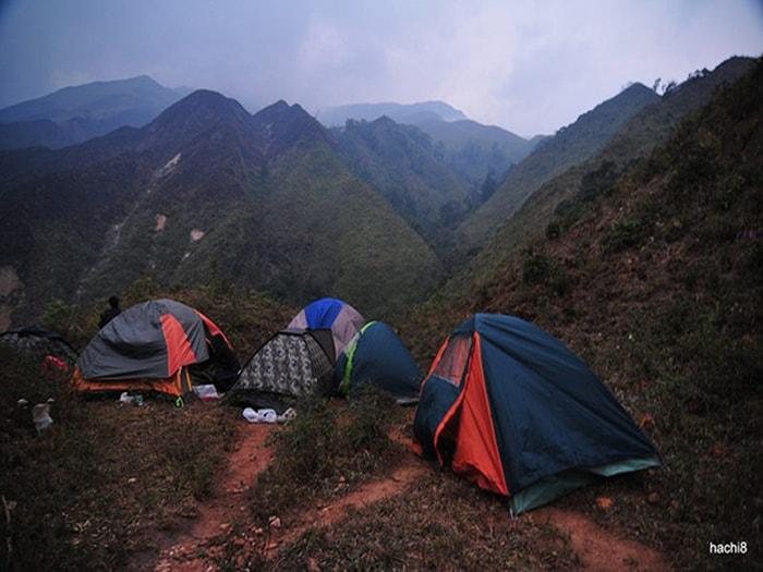 Cắm trại qua đêm cũng là trải nghiệm thú vị ở Hà Giang