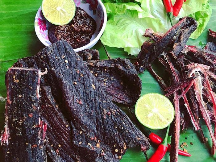 Đặc sản thịt trâu gác bếp nổi tiếng không chỉ ở Hà Giang