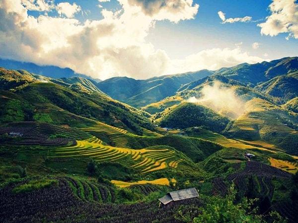 Ruộng bậc thang ở thung lũng Mường Hoa