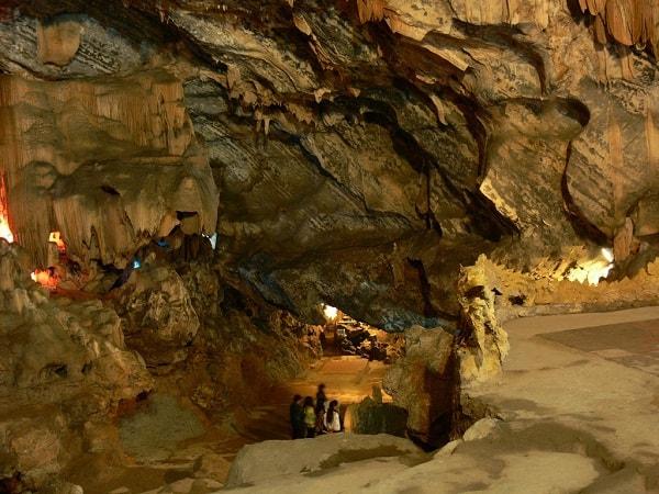 Khám phá hang Cốc San dịp Tết nguyên đán