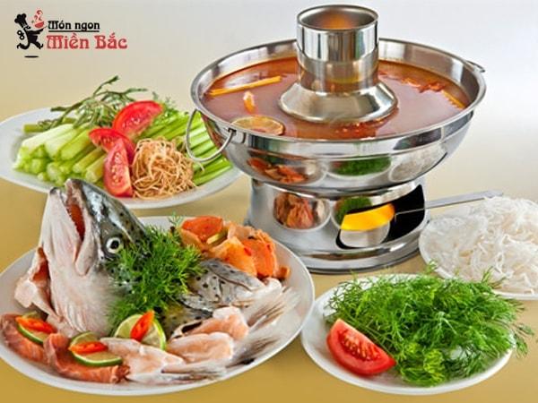 Lẩu cá hồi là món ăn đặc sản của Sapa