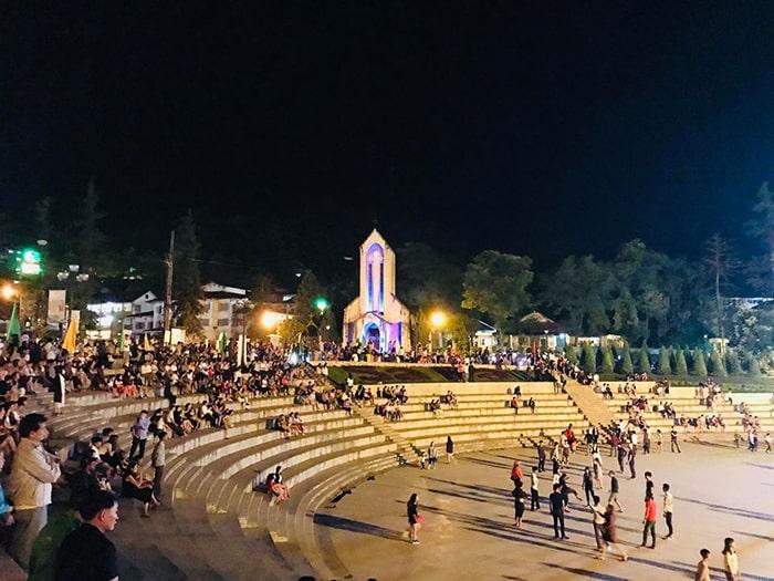 Quảng trường Sapa về đêm