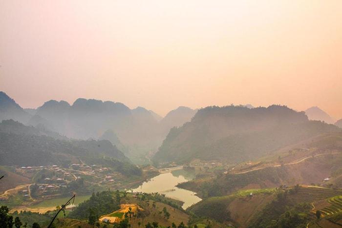 Bình minh trên đèo Pha Đin