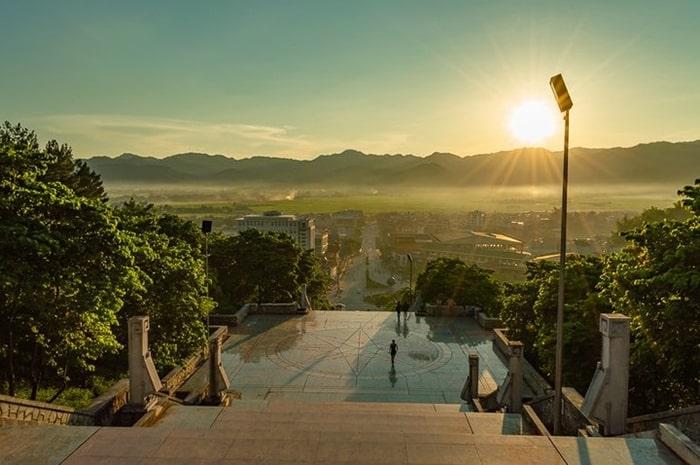 Quảng trường thành phố Điện Biên Phủ