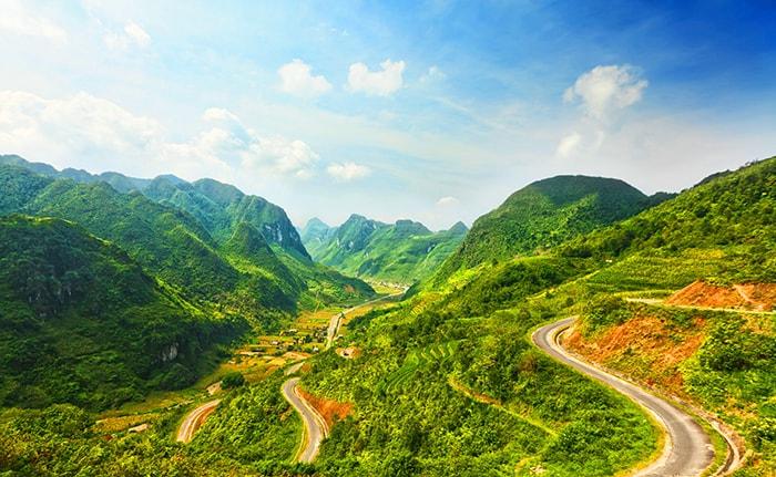 Thiên nhiên Hà Giang lộng lẫy và mang vẻ đẹp rừng núi hoang sơ