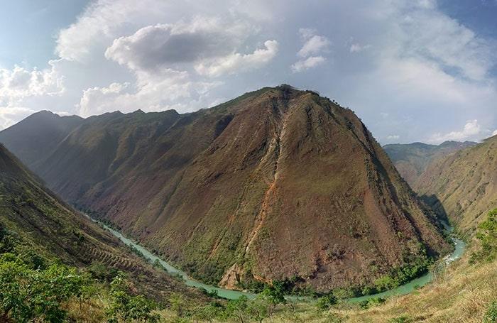 Dòng sông Nho Quế nhìn từ cột mốc 428