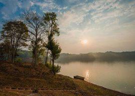 Vẻ đẹp Hồ Pá Khoang – Chốn bình yên giữa núi rừng Tây bắc