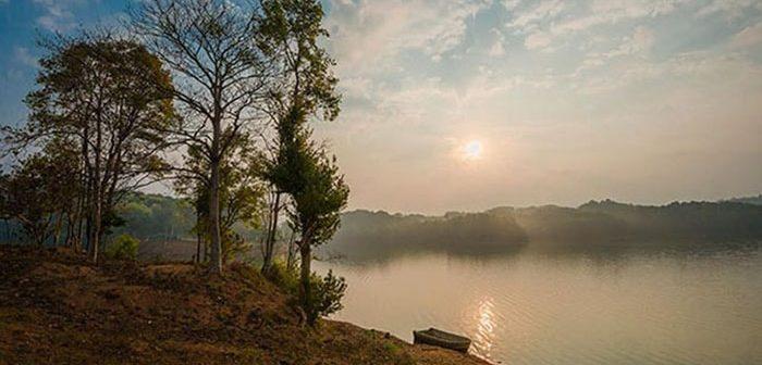 Vẻ đẹp Hồ Pá Khoang - Chốn bình yên giữa núi rừng Tây bắc