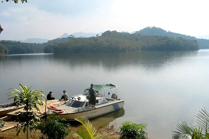 Đi xuồng thăm quan hồ Pá Khoang, Điện Biên
