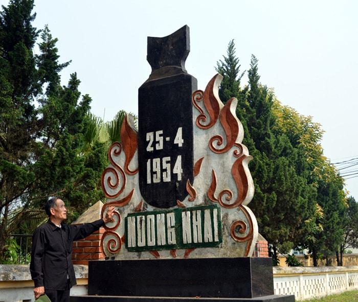 Bia tưởng niệm Noong Nhai ở Điện Biên