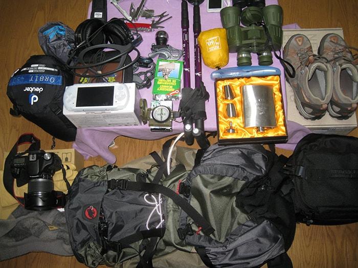 Chuẩn bị đầy đủ đồ dùng cần thiết để leo Fansipan