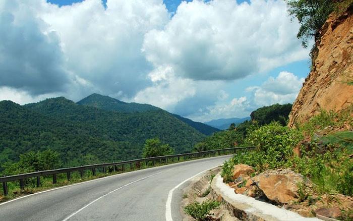 Đèo Bảo Lộc trên đường lên Đà Lạt
