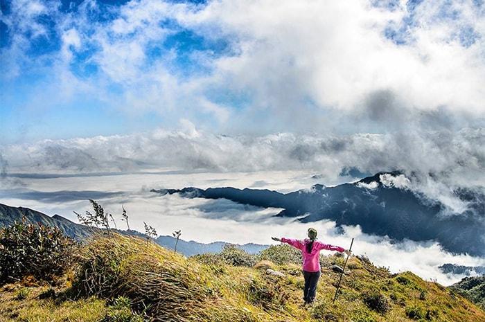 Biển mây trên đỉnh Lùng Cúng