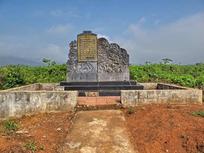Di tích đồi Độc Lập ở Điện Biên