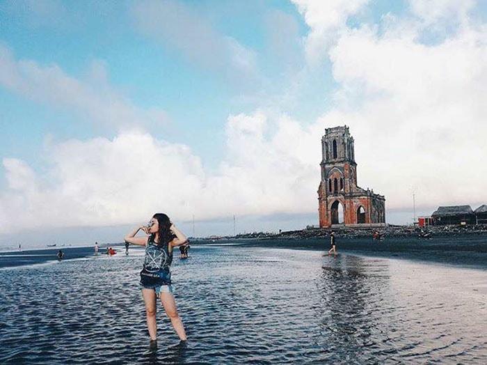 Nhà thở đổ ở Nam Định