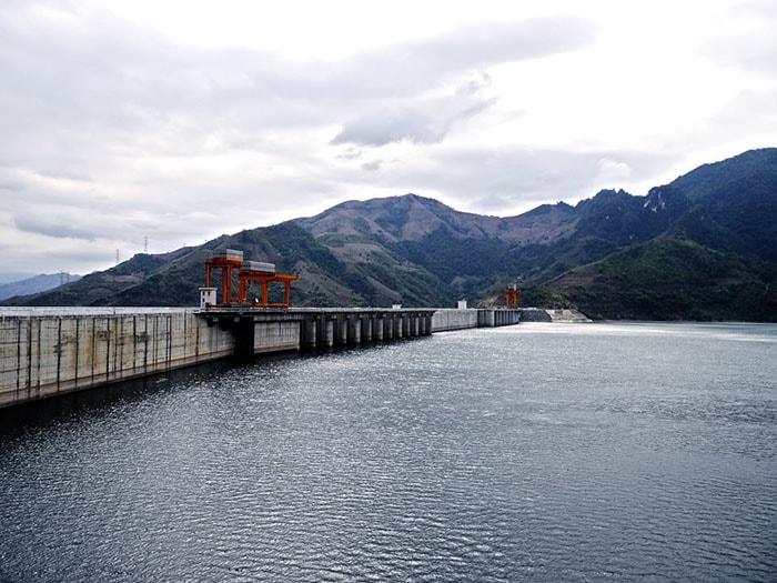 Đập thủy điện Sơn La