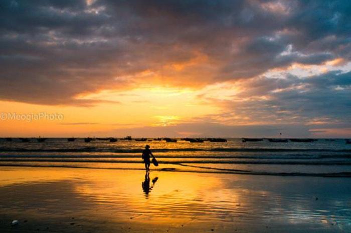 Hoàng hôn tuyệt đẹp tại biển Cam Bình LaGi