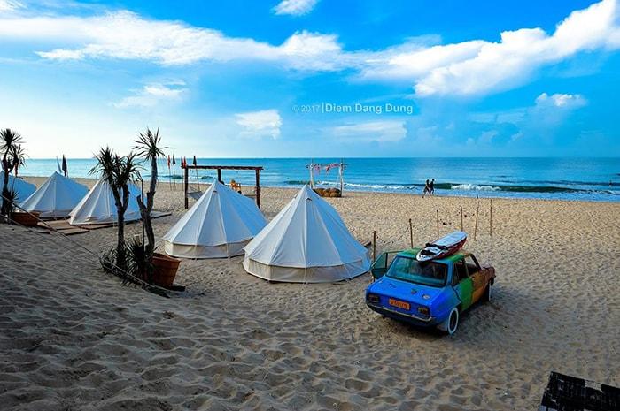 Những túp lều tại bãi biển LaGi Coco Beach