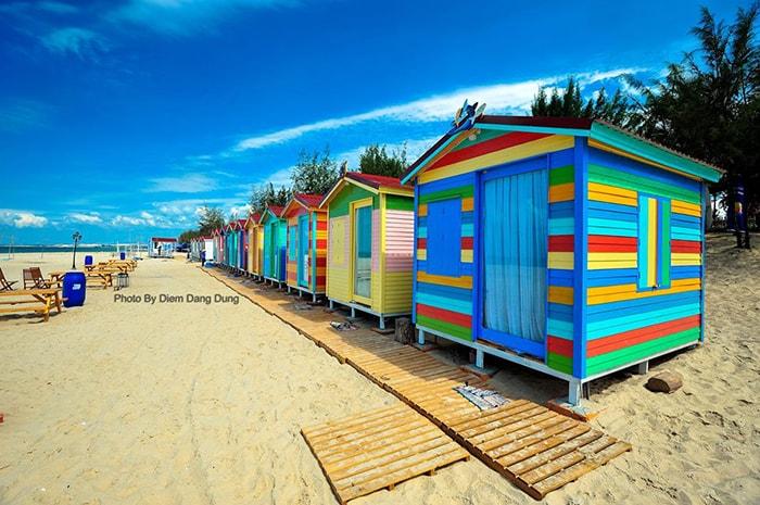 Những ngôi nhà đầy màu sắc ở Coco beach là địa điểm sống ảo lý tưởng cho các bạn trẻ