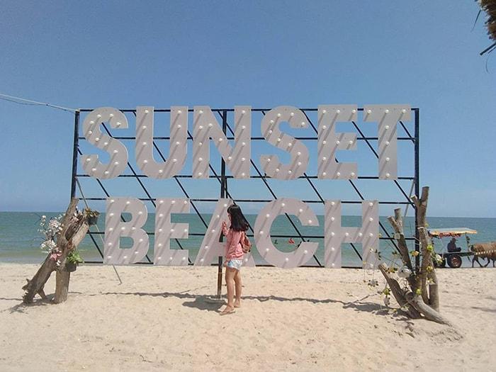 1 địa điểm sống ảo của các bạn trẻ ở LaGi Coco beach