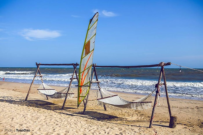 Những chiếc võng được đặt khá nhiều ở bờ biển Coco beach