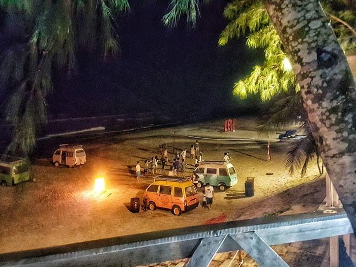 ĐỐt lửa trại vào ban đêm ở Coco Beachcamp LaGi Bình Thuận
