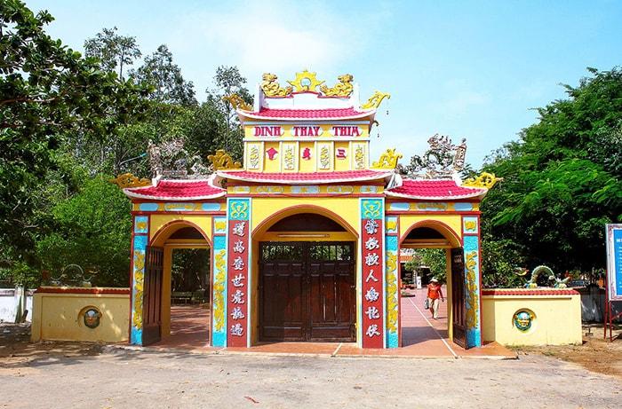 Dinh Thầy Thím là địa điểm du lịch tâm linh nổi tiếng ở LaGi