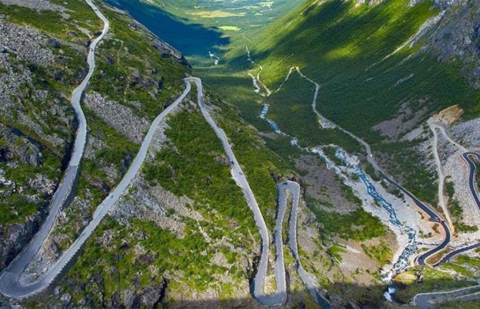 Karakoram Highway nối liền giữa Trung Quốc và Pakistan