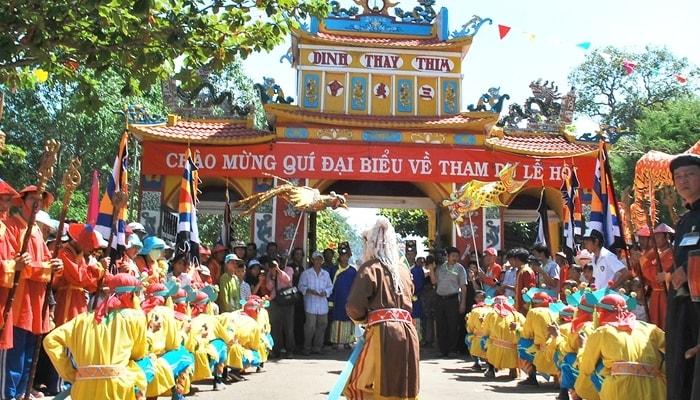 Lễ hội Dinh Thầy Thím được tổ chức thường niên
