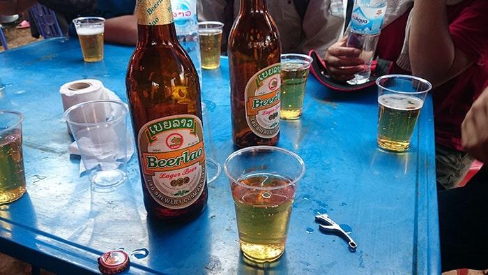Bia Lào là đặc sản của nước Lào