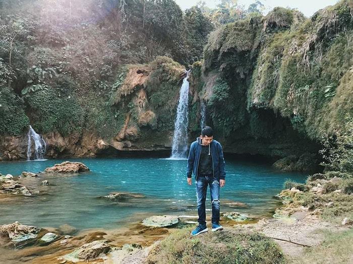 Màu nước xanh như ngọc ở thác Chiềng Khoa
