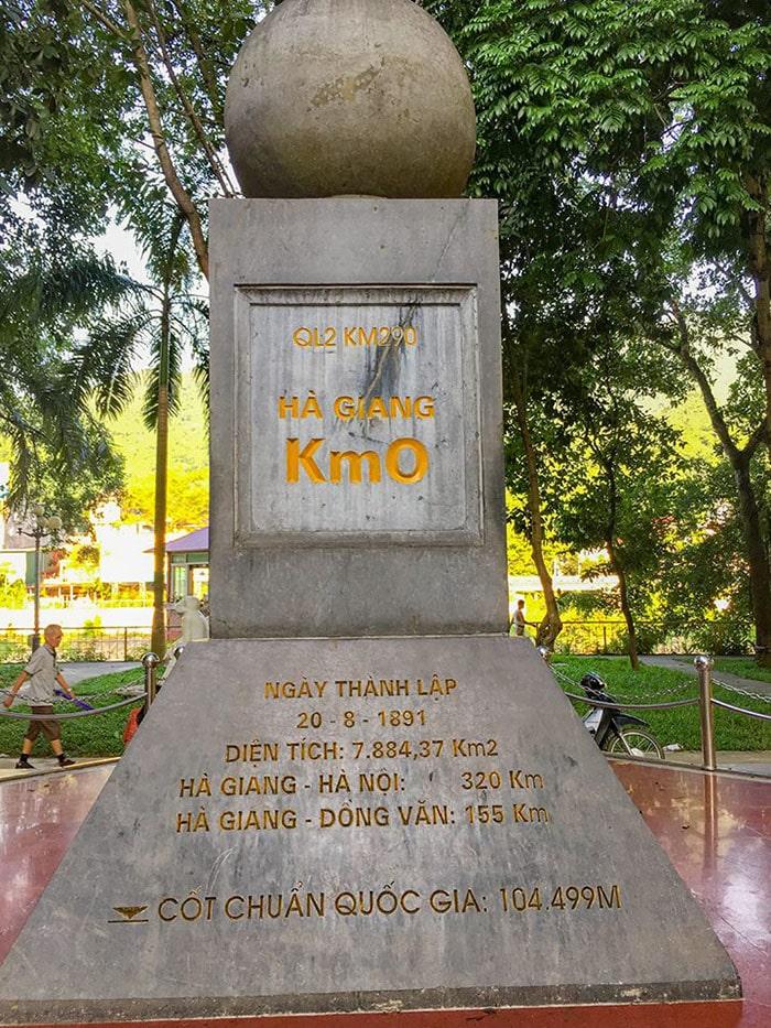 Cột mốc 0km ở thành phố Hà Giang