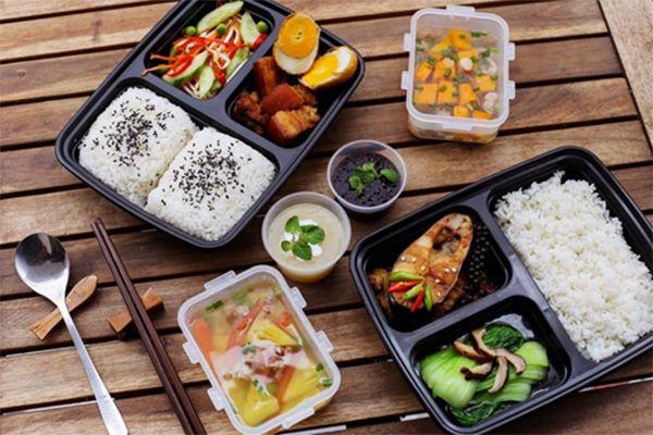 Bữa ăn trưa ngon bổ và lành mang lại nguồn năng lượng dồi dào cho bạn