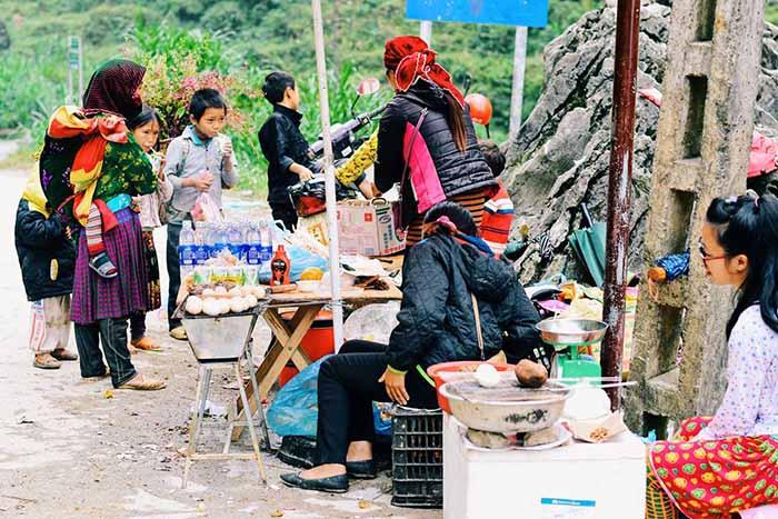 Quán ven đường trên Hà Giang