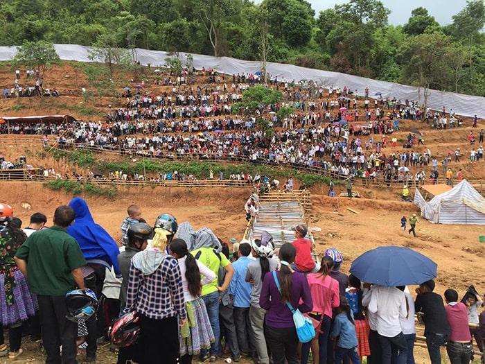 Lễ hội chọi trâu được tổ chức vào dịp mùng 2/9 ở xã Lóng Sập, Mộc Châu