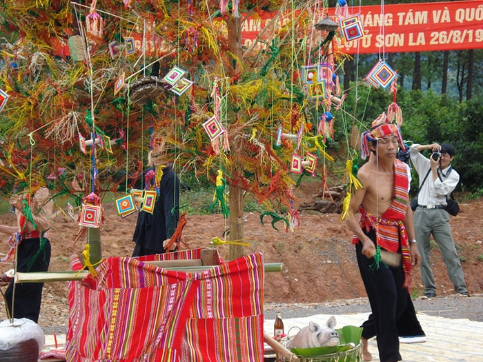 Lễ hội Hết Chá ở Mộc Châu