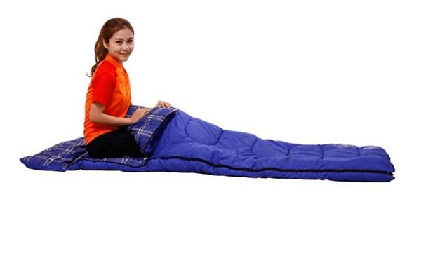 Sử dụng túi ngủ như đi dã ngoại tại văn phòng